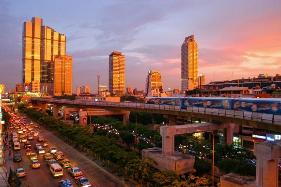 タイはバンコクで海外セミリタイア生活を擬似体験してきます